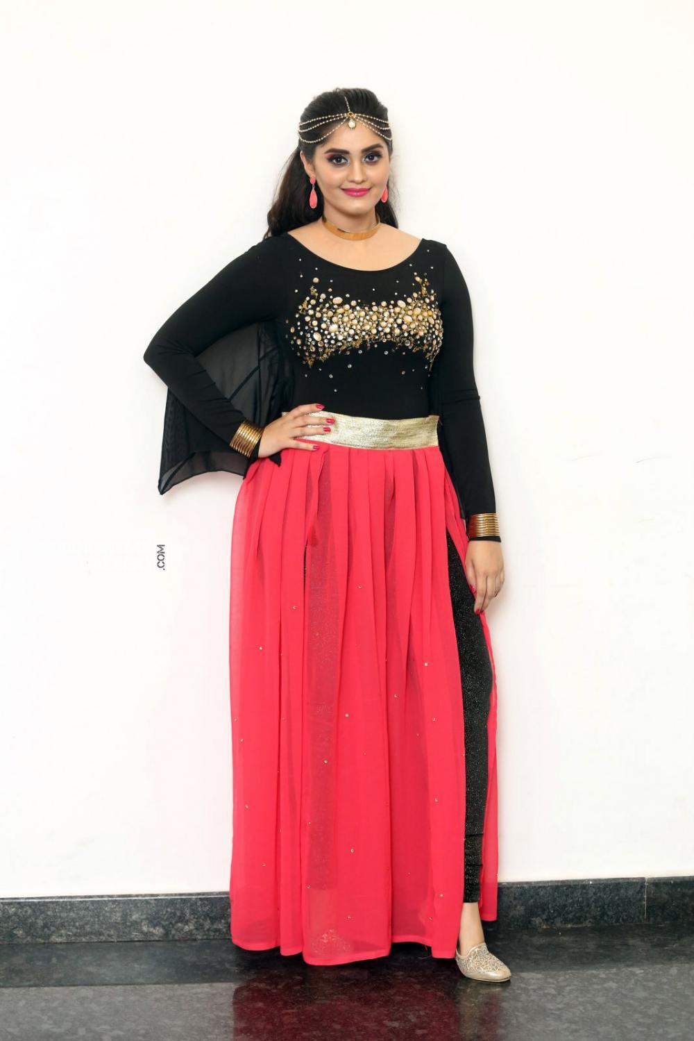 Surabhi at bang bang 2019 event (6)