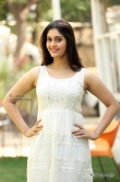 surabhi-in-white-dress-during-latest-photo-shoot-25752