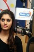 surabhi-with-express-raja-team-at-radio-city-149548