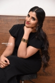 anchor shyamala at suryakantham movie pre release event (19)