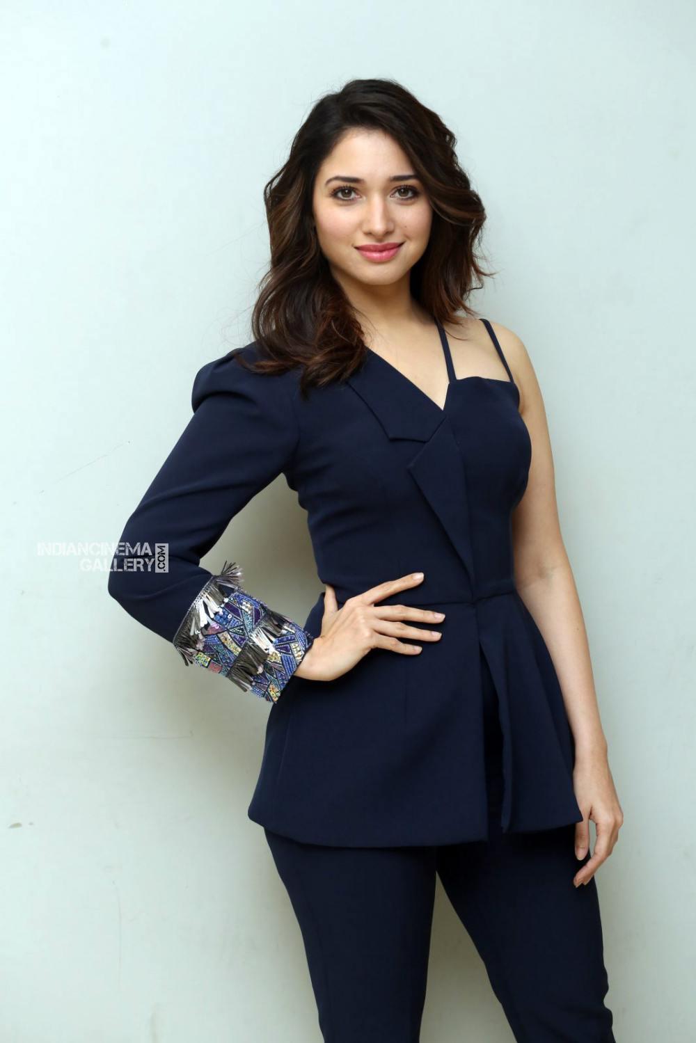 Tamanna Bhatia at f2 movie trailer launch (2)