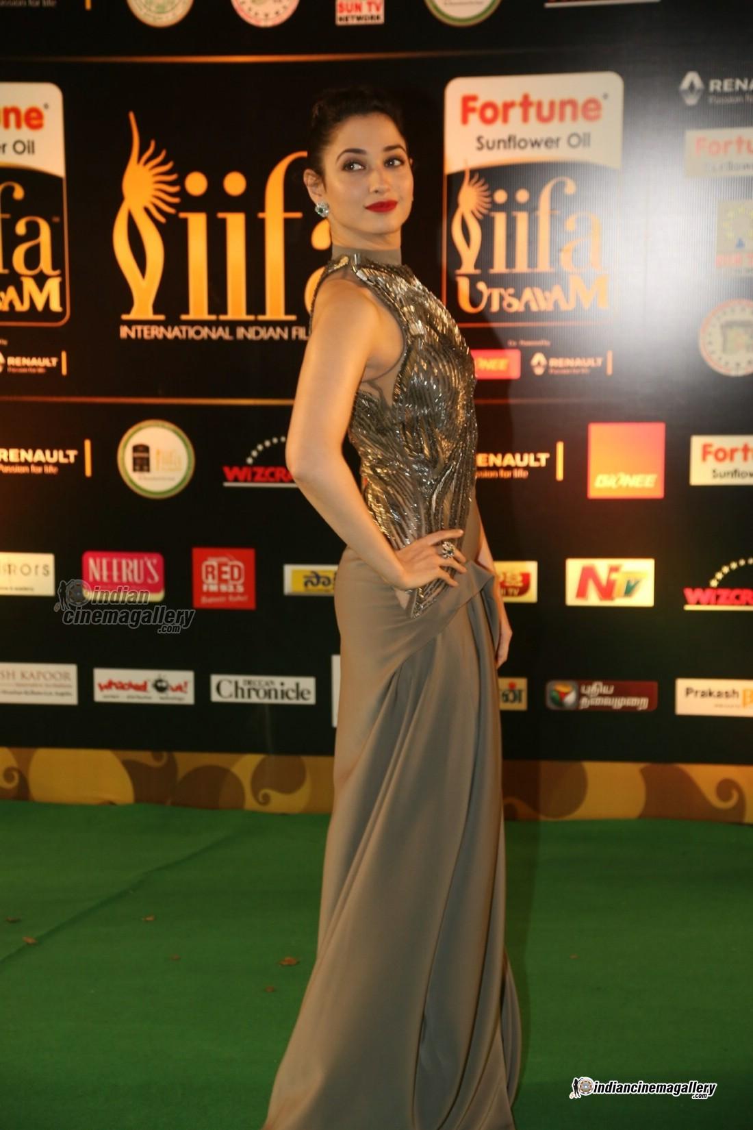 Tamannah-bhatia-at-IIFA-Utsavam-Awards-2016-Day-2-(27)6629
