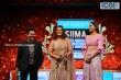 Varalakshmi Sarathkumar at SIIMA awards 2019 (4)