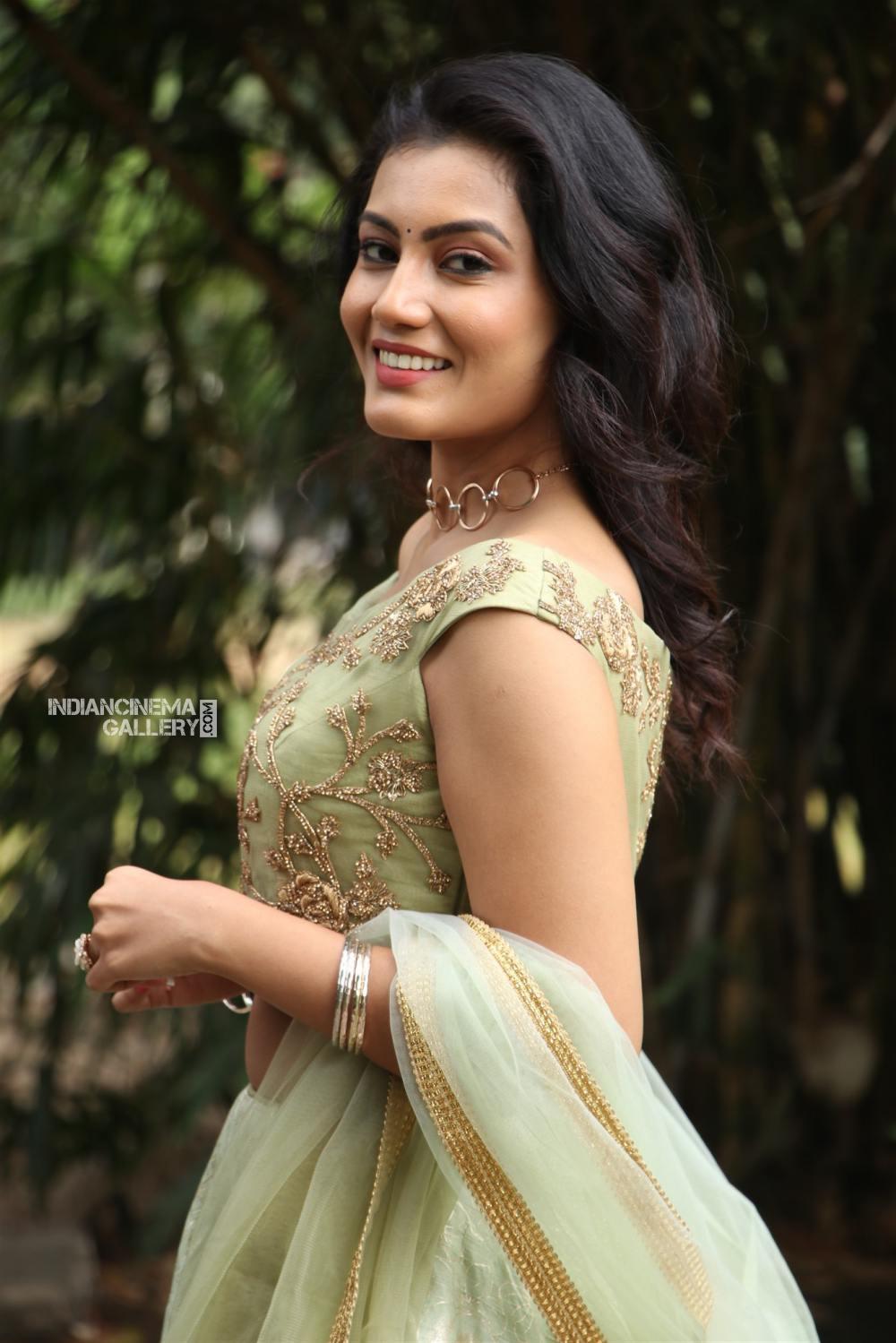 Actress Chandana Raj Stills (3)