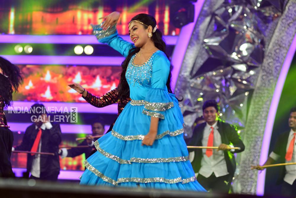 Durga Krishna at asianet film awards 2018 (8)