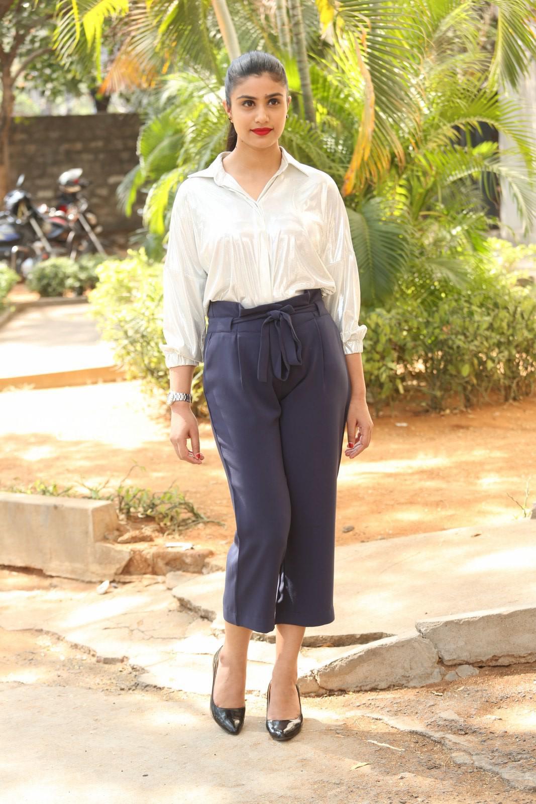 Actress Jia Sharma Stills (10)