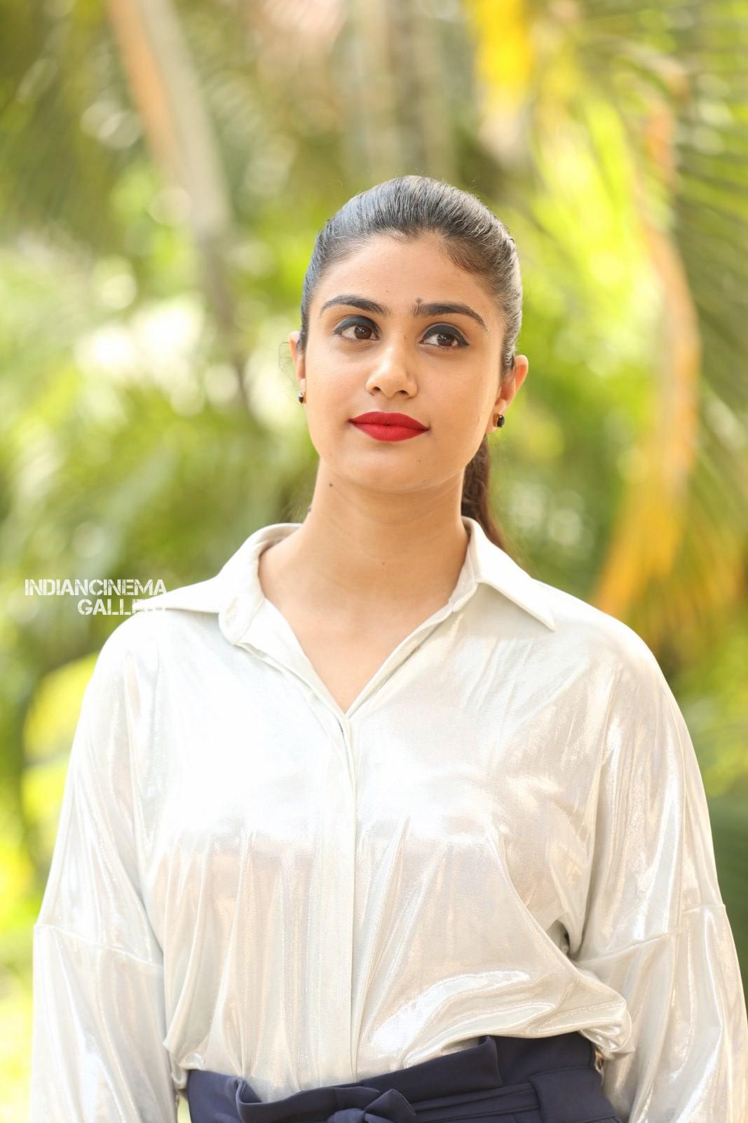 Actress Jia Sharma Stills (8)