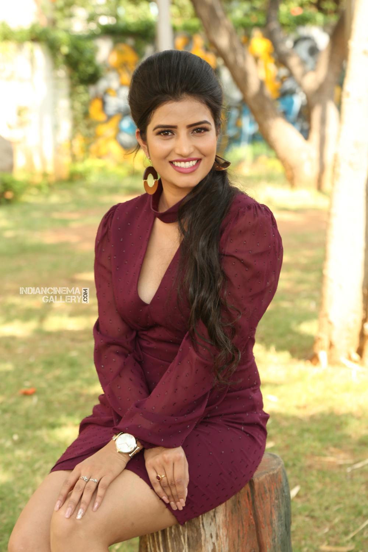 Actress Karishma Kaul Stills (1)