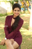Actress Karishma Kaul Stills (8)