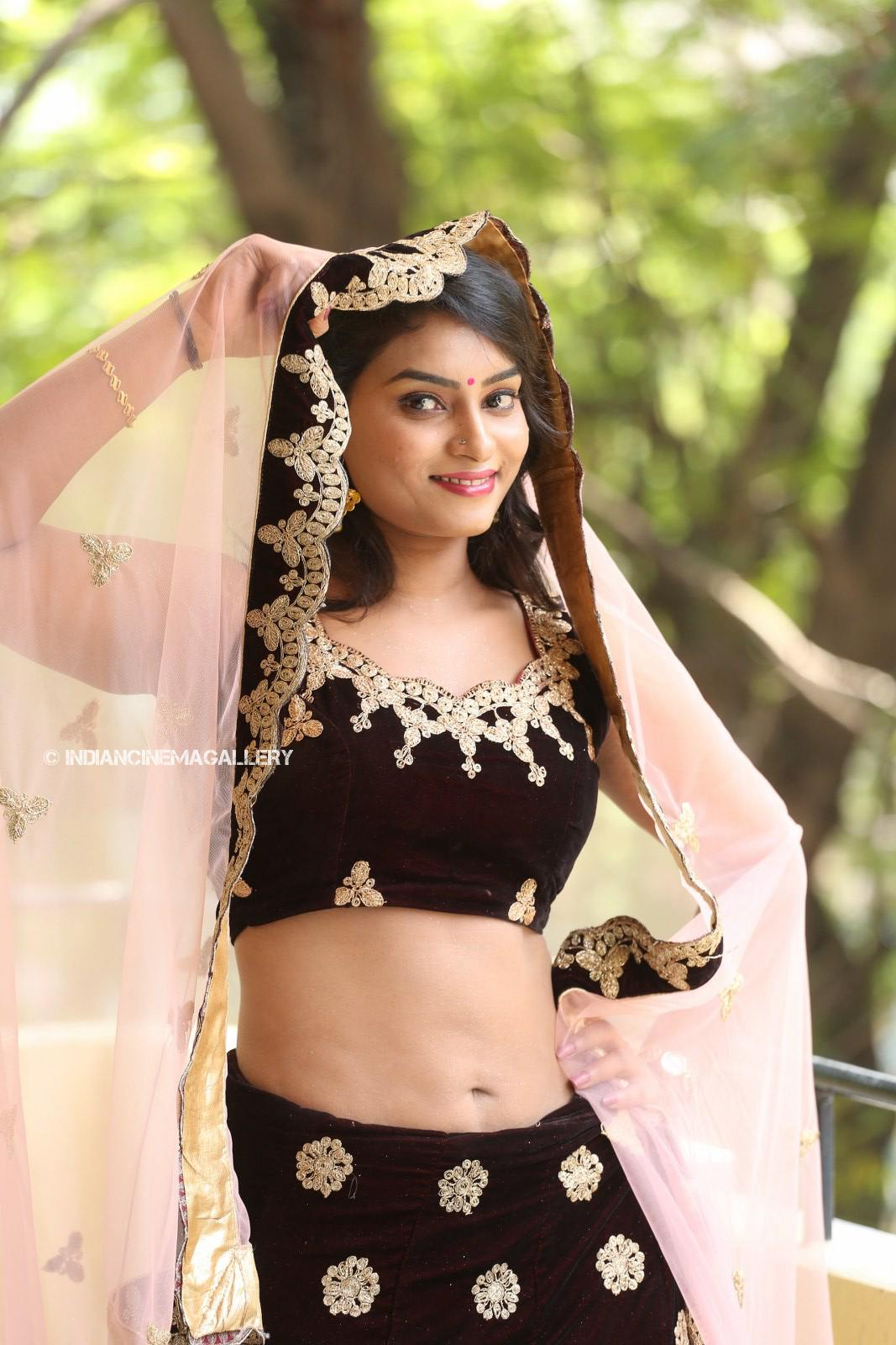 Madhubala telugu actress stills (19)