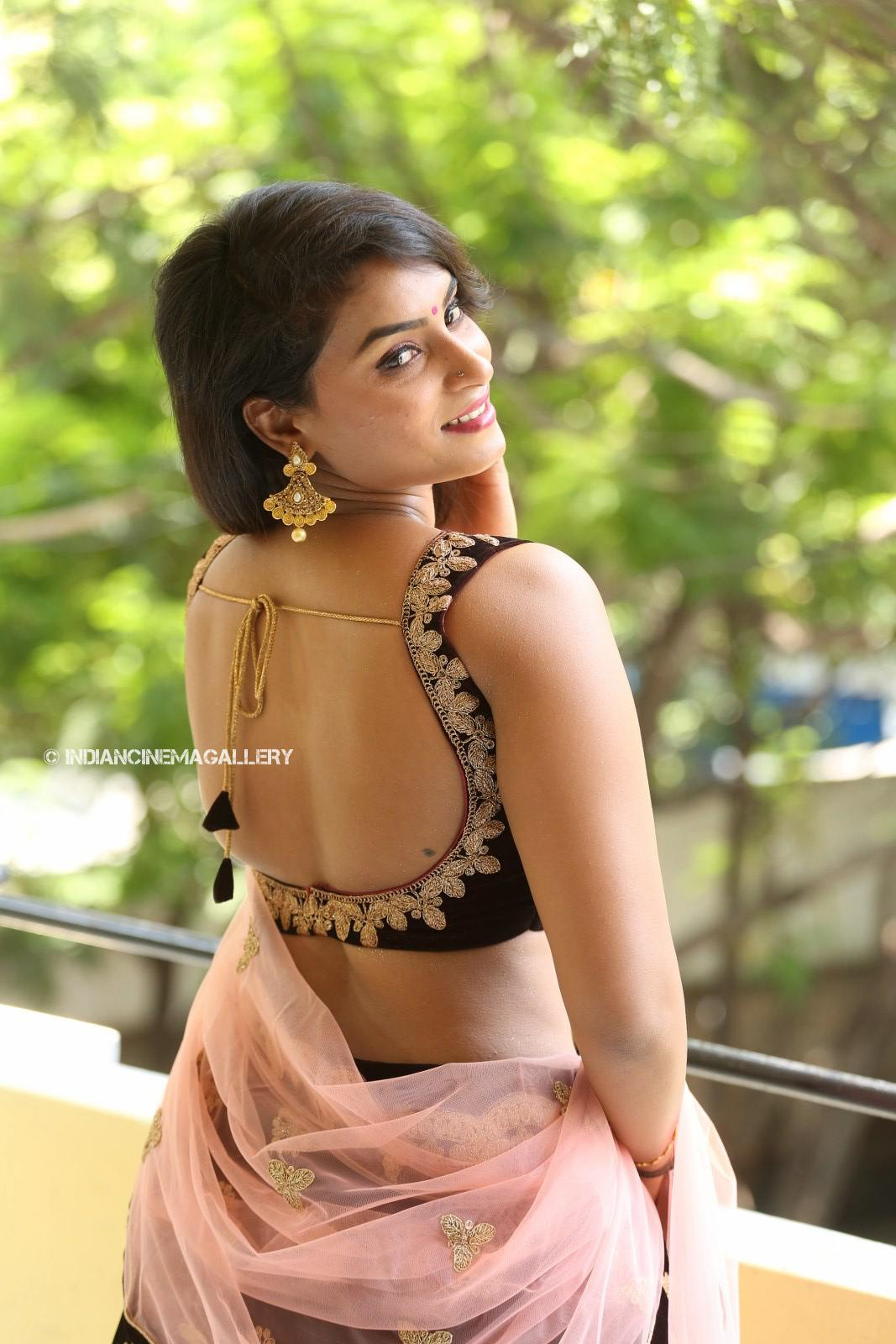 Madhubala telugu actress stills (24)