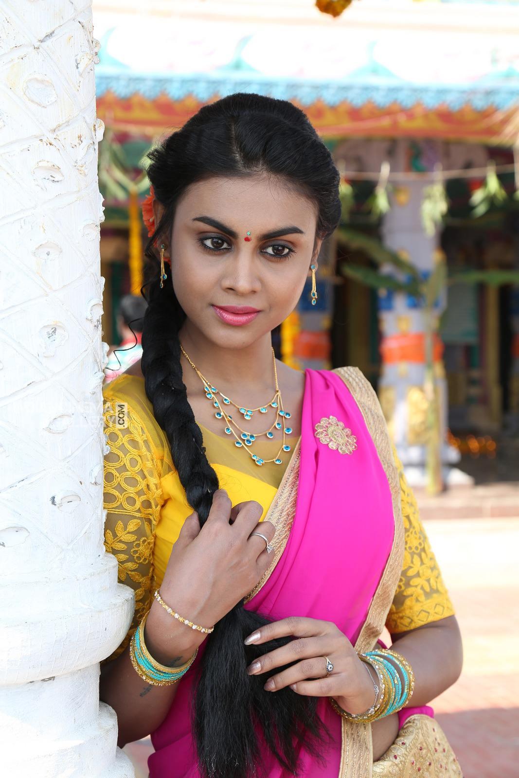 Meghla Mukta in vallabhudu movie (5)