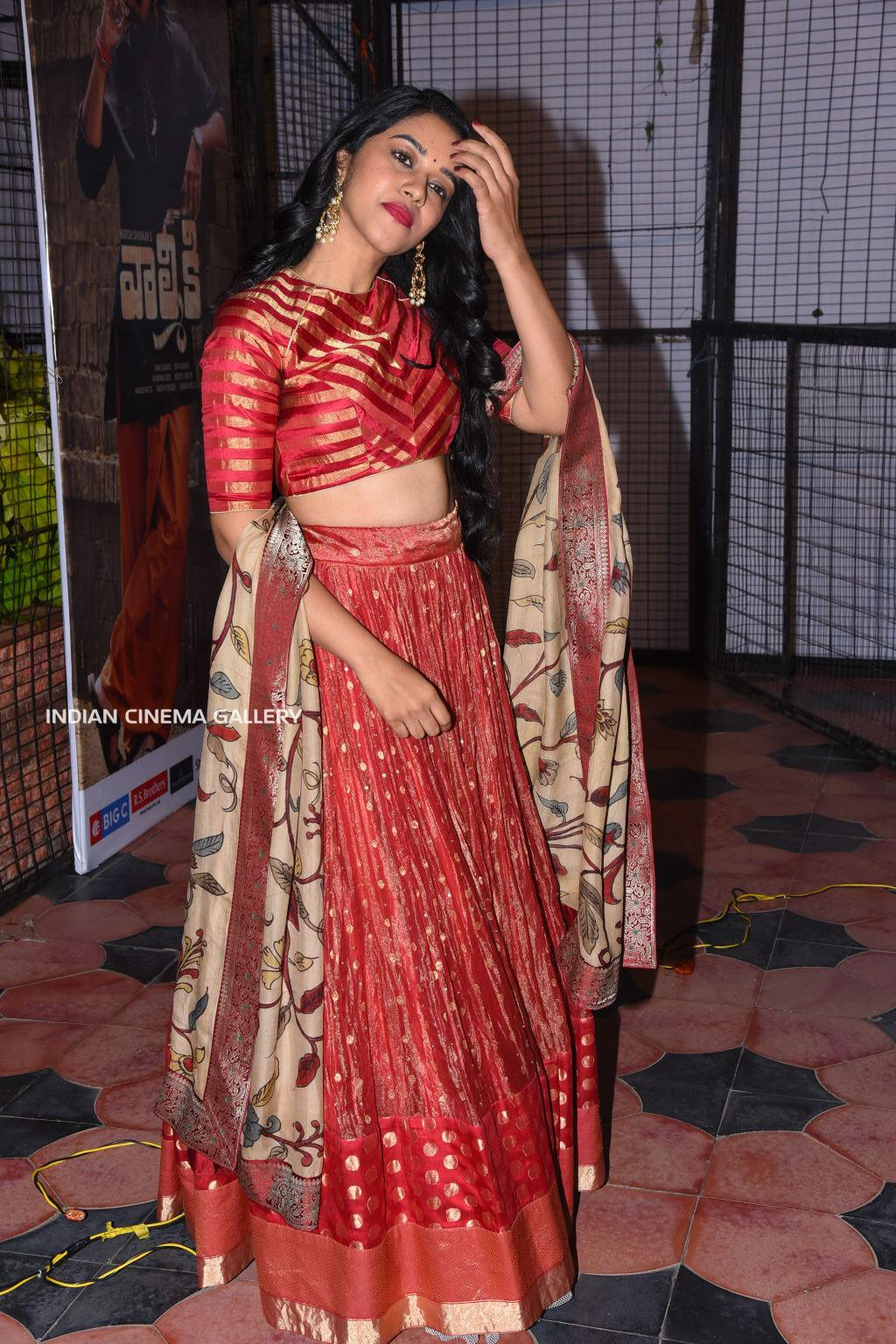 Mirnalini Ravi stills (17)