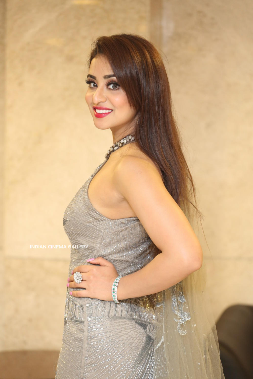 Musskan Sethi at Ragala 24 Gantallo Movie Pre-Release (12)