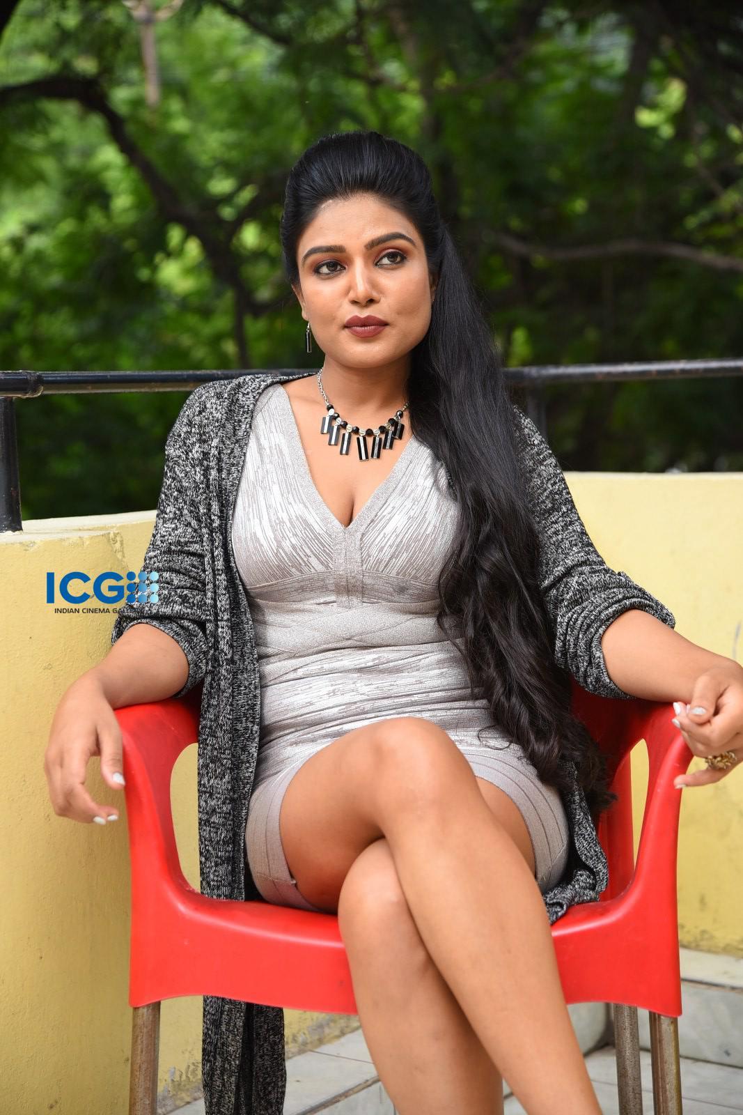 Actress Neelam Naina Stills (18)