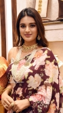 Niddhi Agerwal Launches Manepally Jewellers (1)