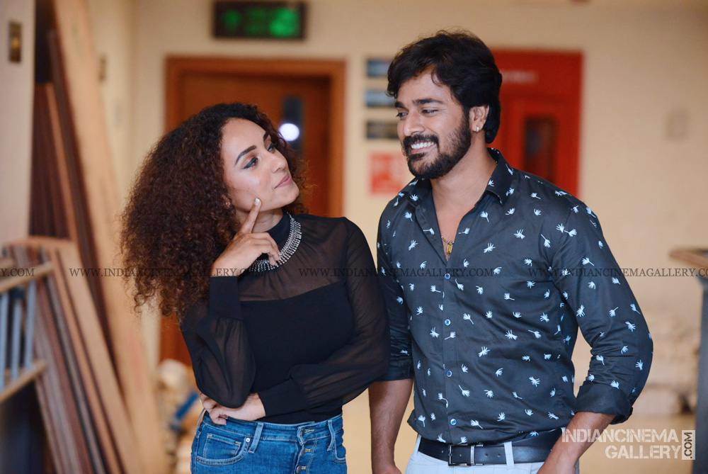 Pearle Maaney at WHO movie preview show (1)