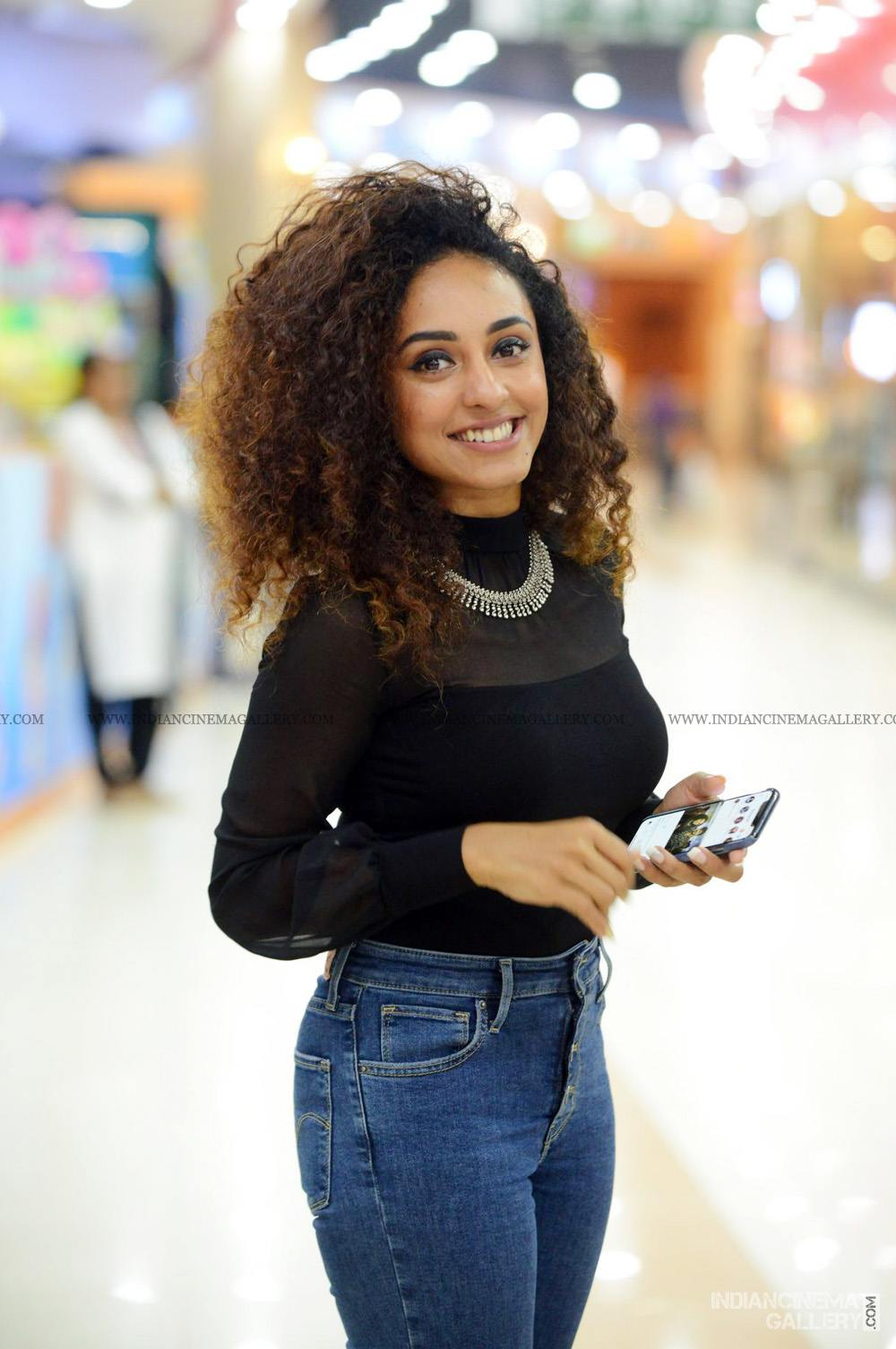 Pearle Maaney at WHO movie preview show (14)