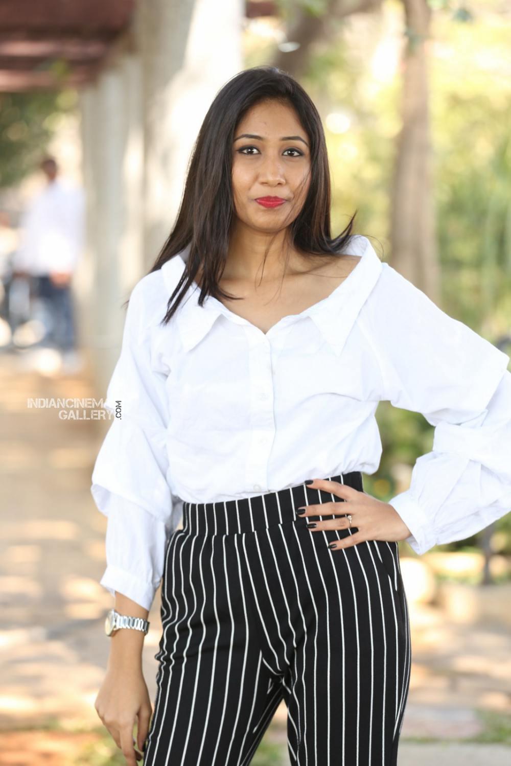 Actress Pranathi Stills (1)