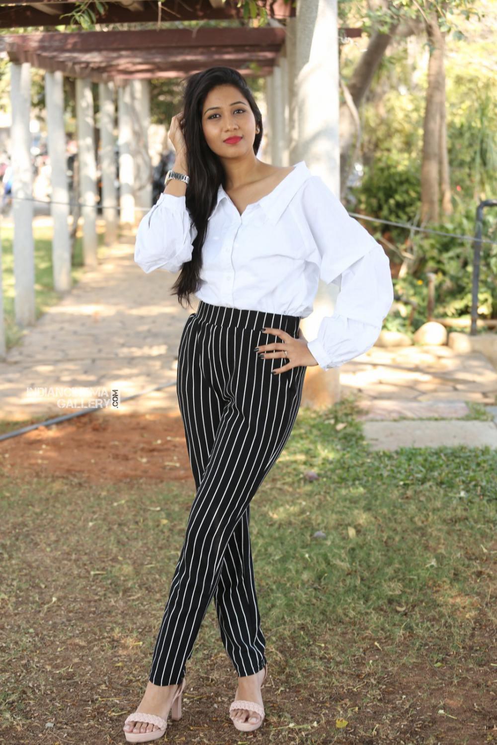 Actress Pranathi Stills (10)