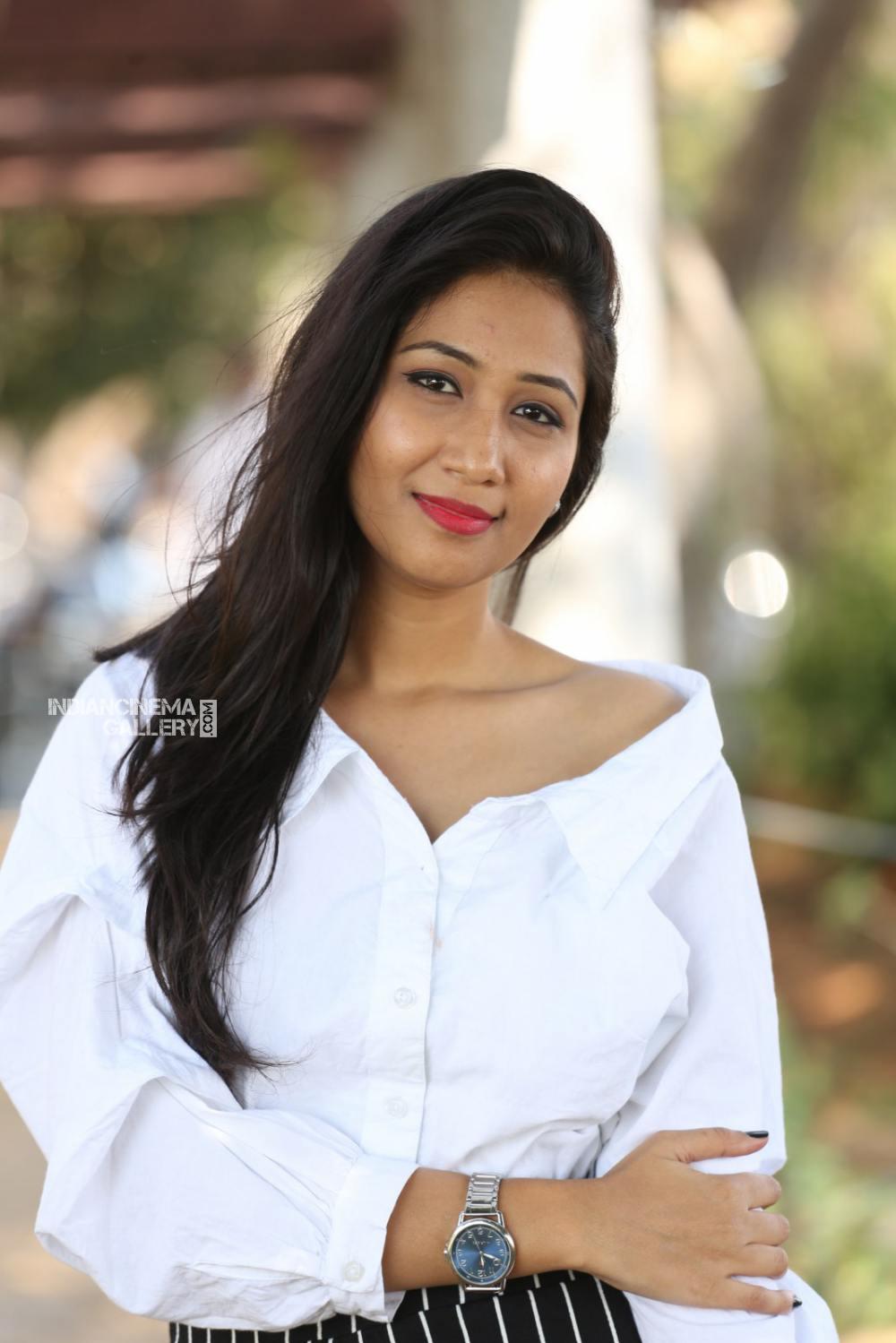 Actress Pranathi Stills (12)
