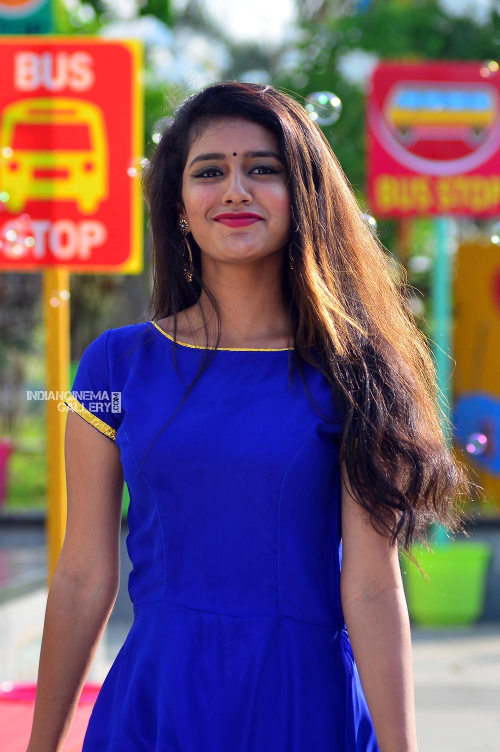 Priya Varrier in oru adaar love movie (4)