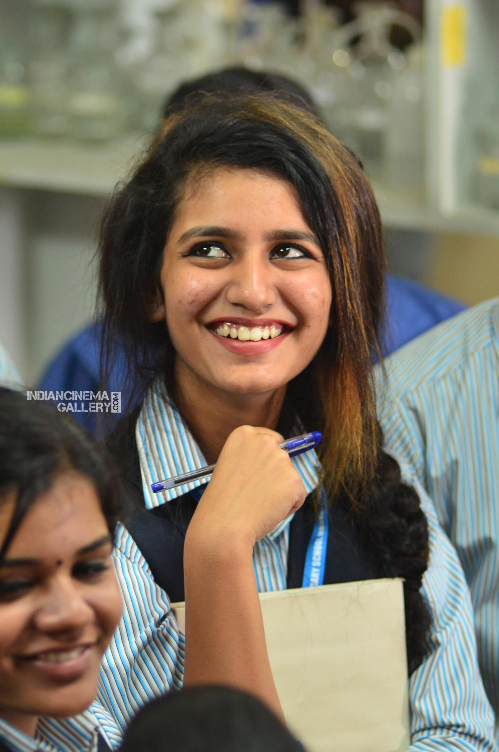 Priya Varrier in oru adaar love movie (5)