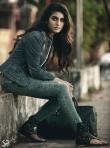 priya p varrier stills (4)