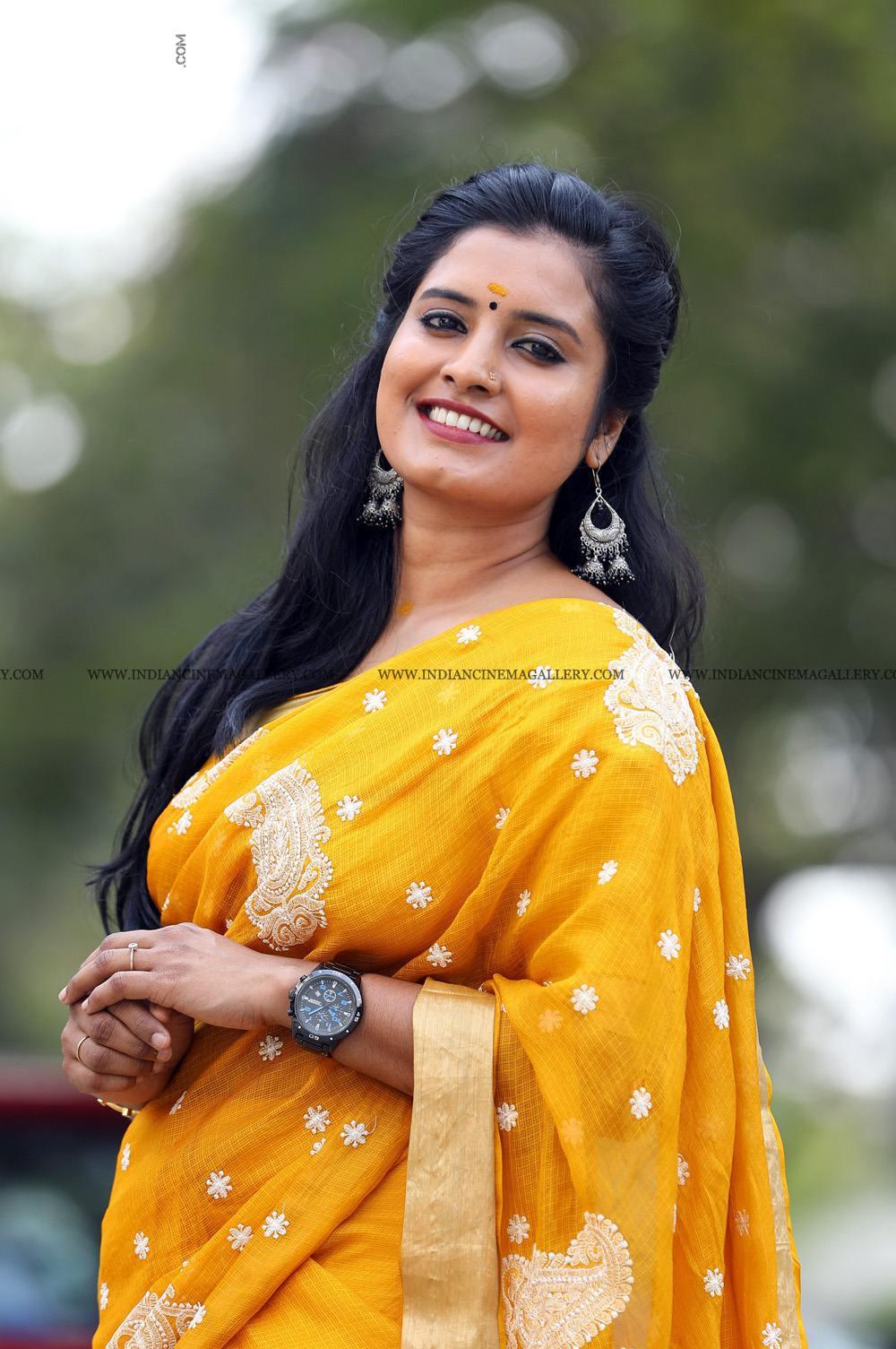 Roshna Ann Roy at Vritham Movie Launch (10)