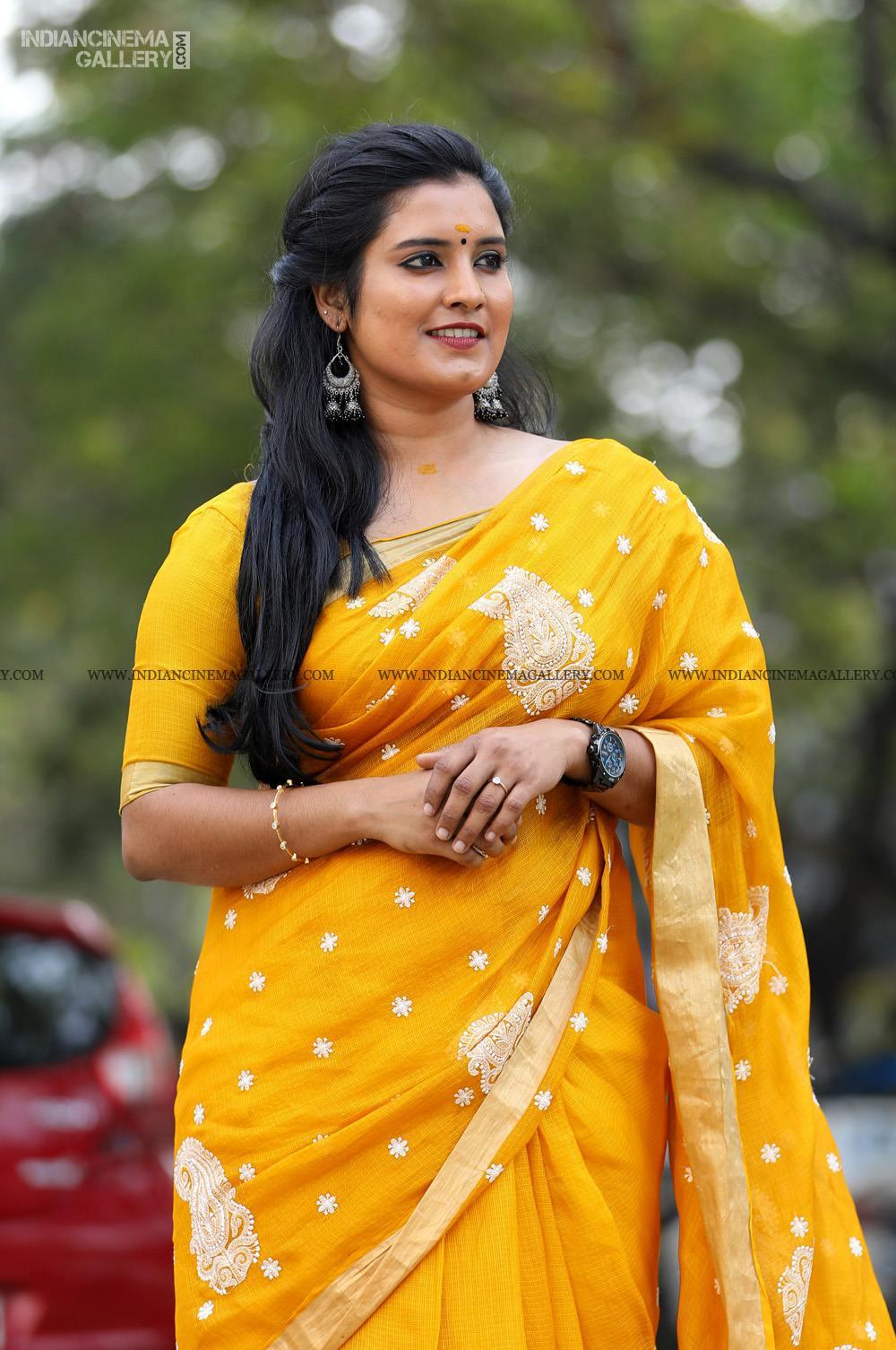 Roshna Ann Roy at Vritham Movie Launch (5)