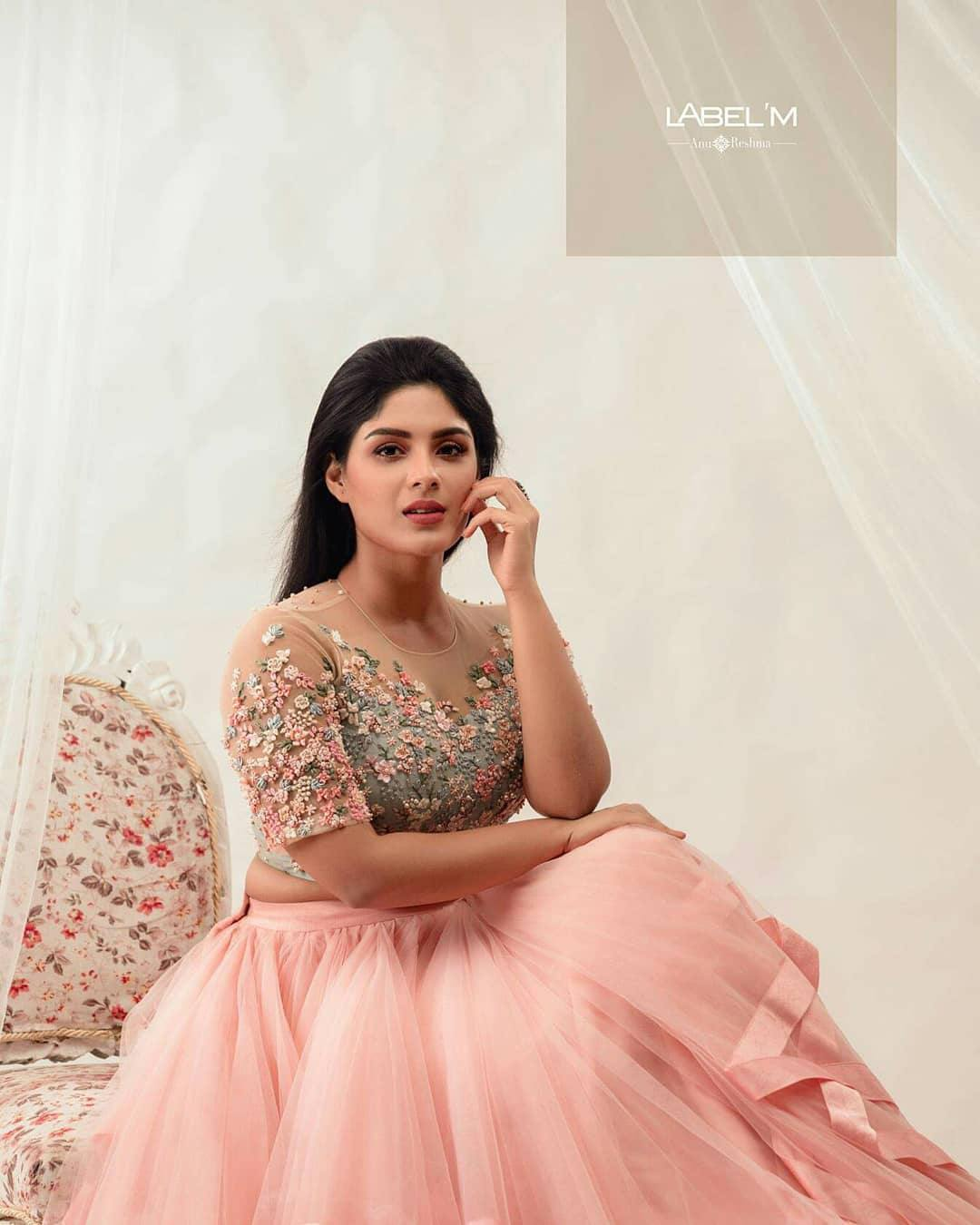 Samyuktha menon photo shoot for label m designers (14)