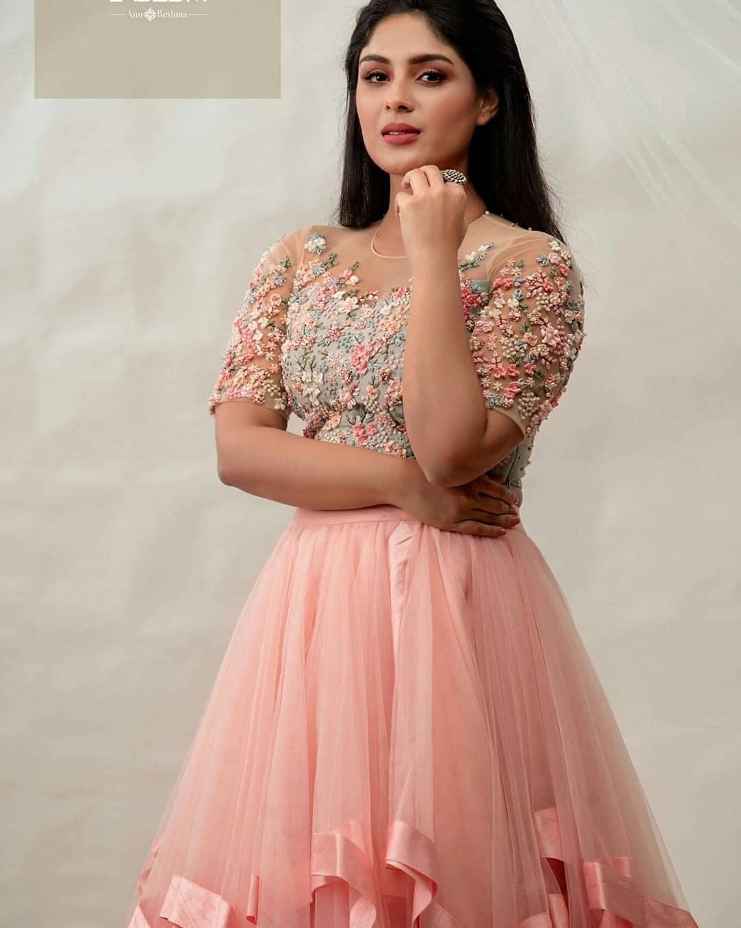Samyuktha menon photo shoot for label m designers (15)