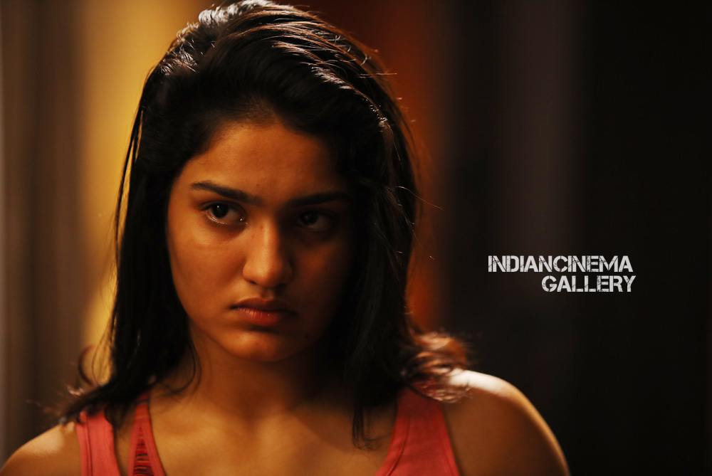 Saniya Iyyappan in lucifer movie (3)
