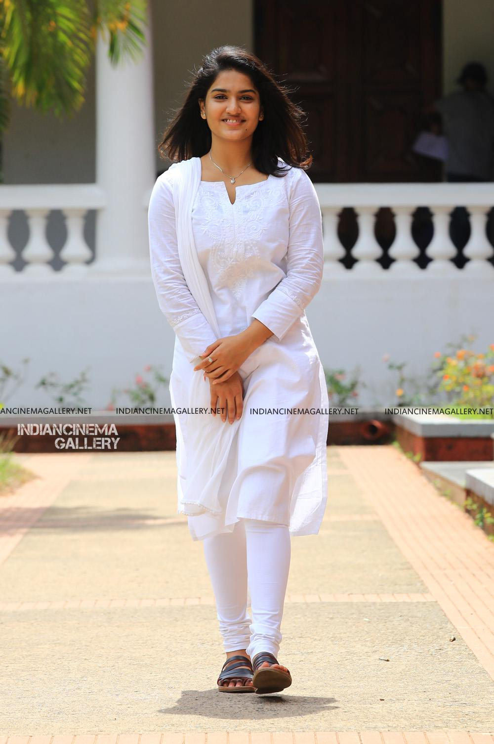 Saniya Iyyappan in lucifer movie (6)