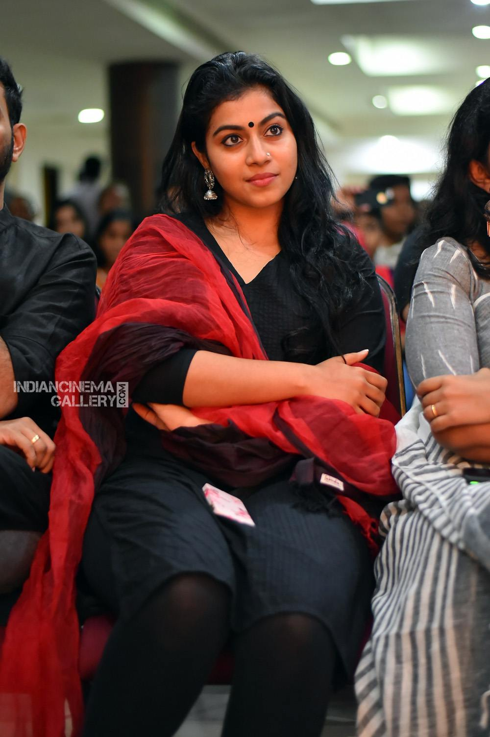 Shruthi Ramachandran at captain movie success meet (4)