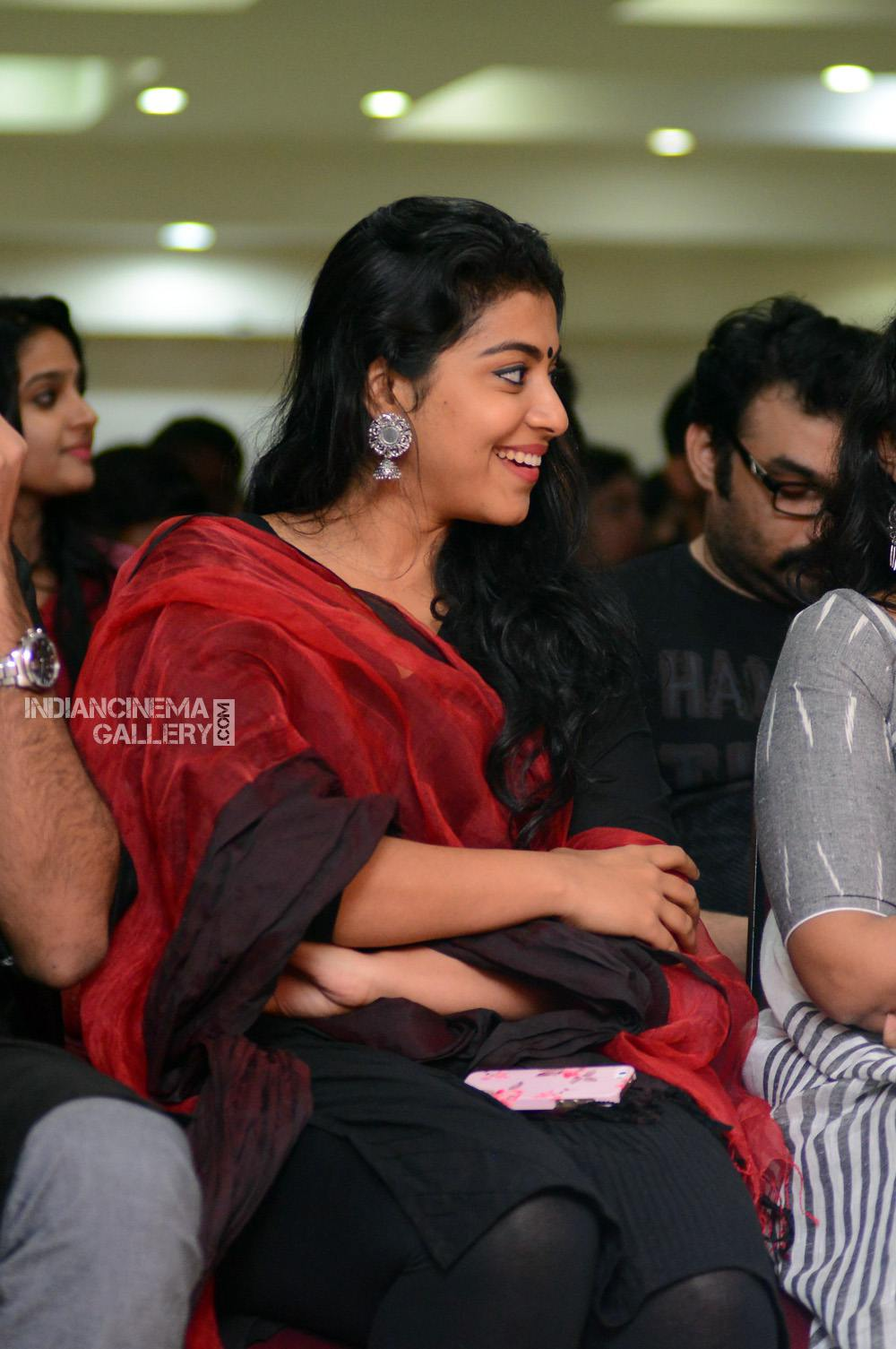 Shruthi Ramachandran at captain movie success meet (8)