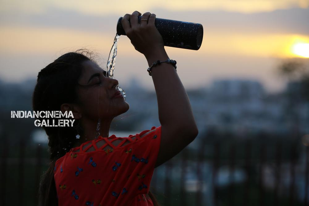 siddhi idnani in Prema Katha Chitram 2 Movie (5)