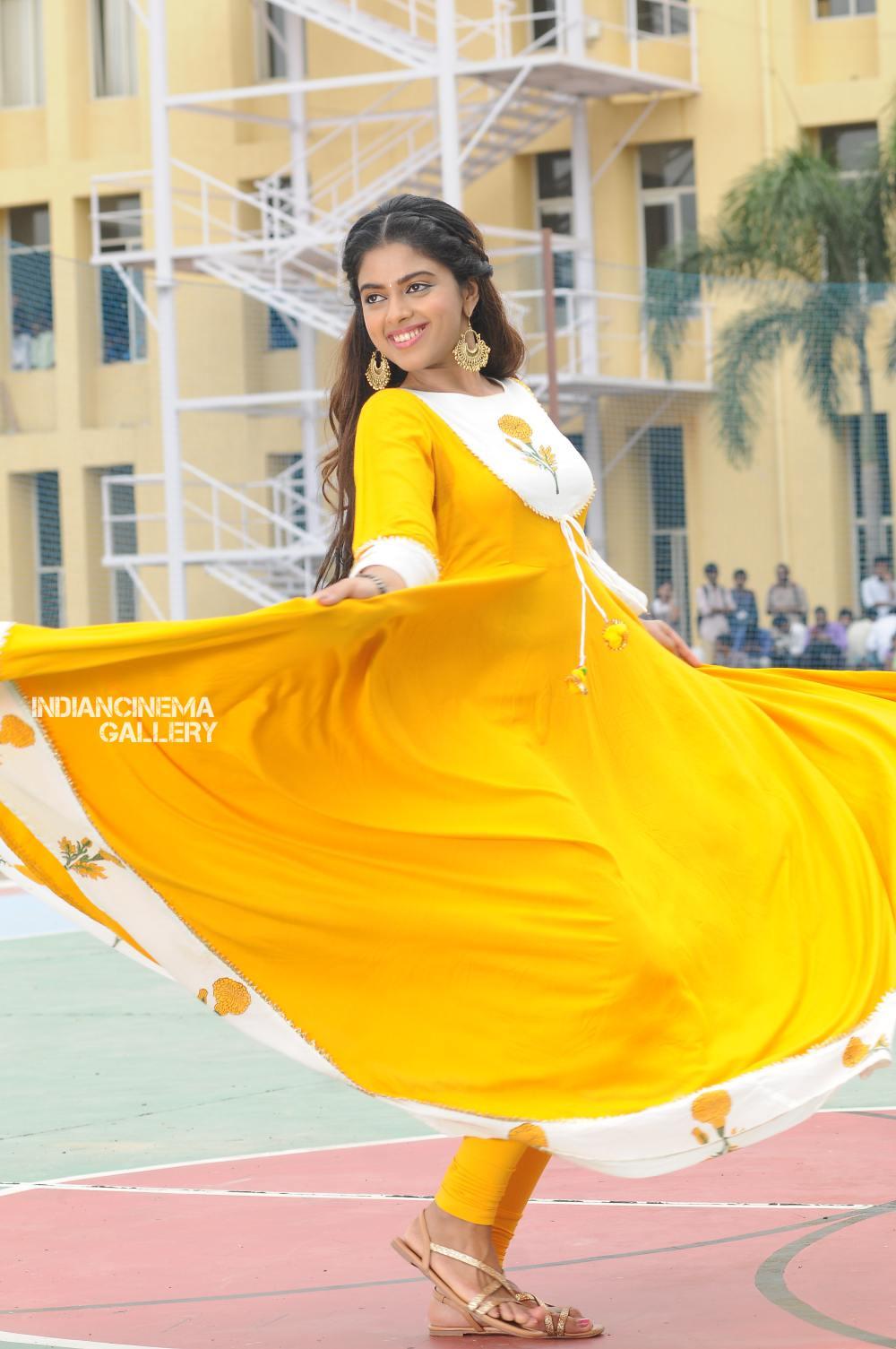 siddhi idnani in Prema Katha Chitram 2 Movie (7)