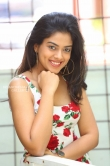 Siddhi Idnani still during her interview (22)