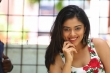 Siddhi Idnani still during her interview (45)