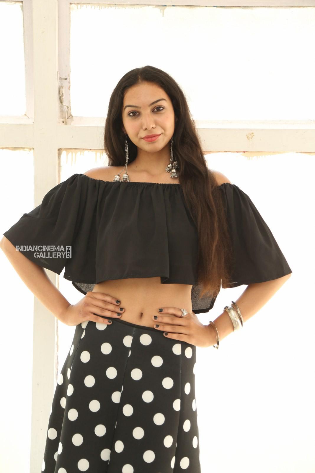 Actress Simran Saniya Stills (14)