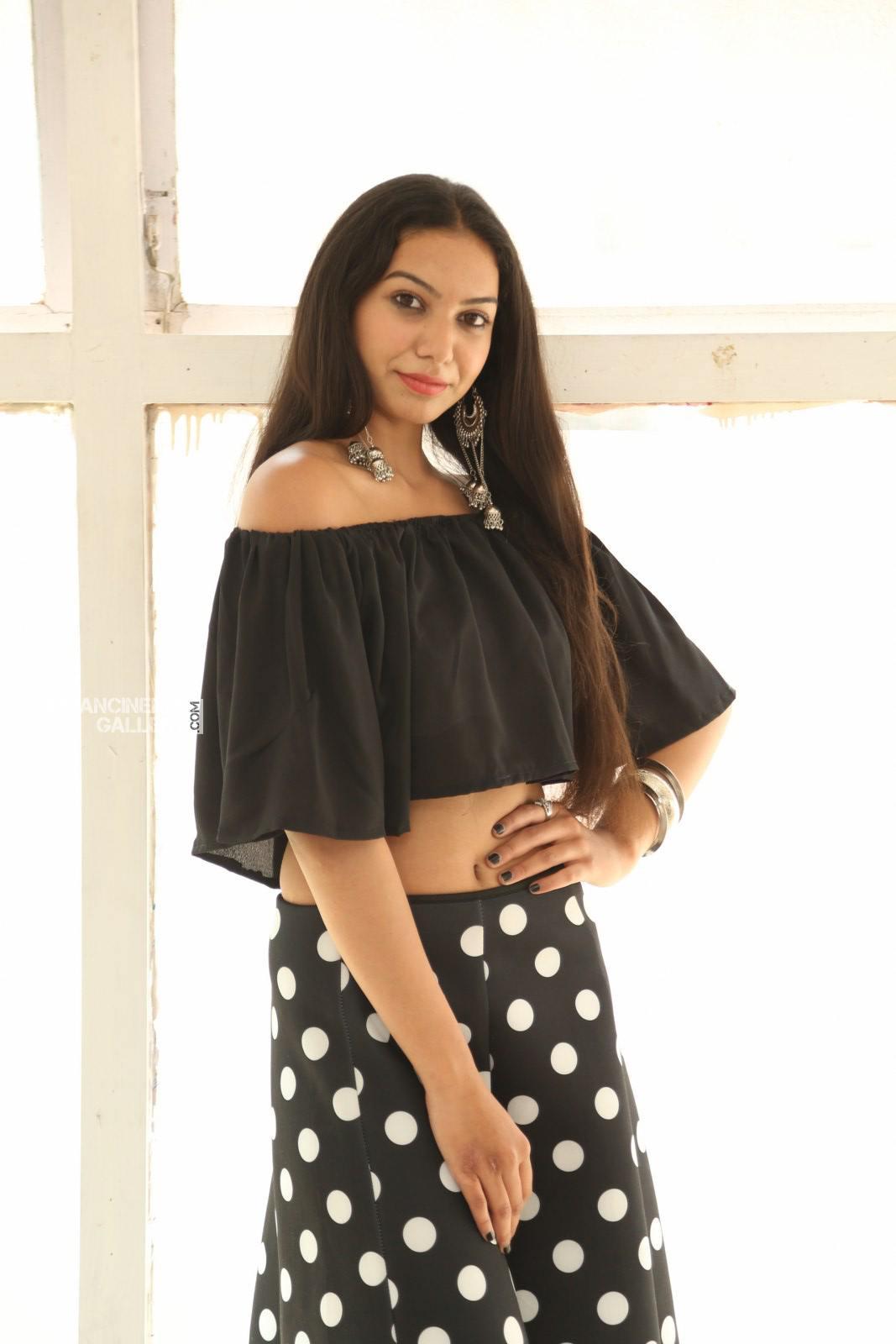 Actress Simran Saniya Stills (7)