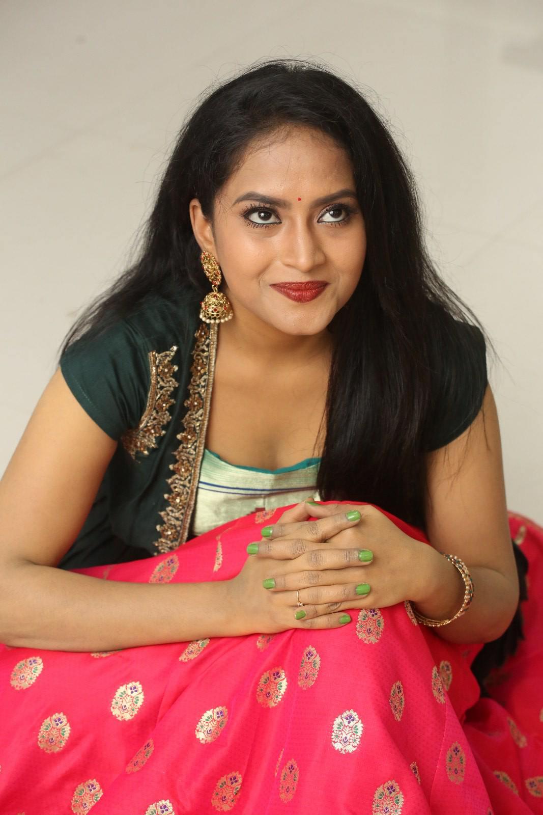 Sravani Kondapalli at Kobbari Matta Pre Release Event (16)