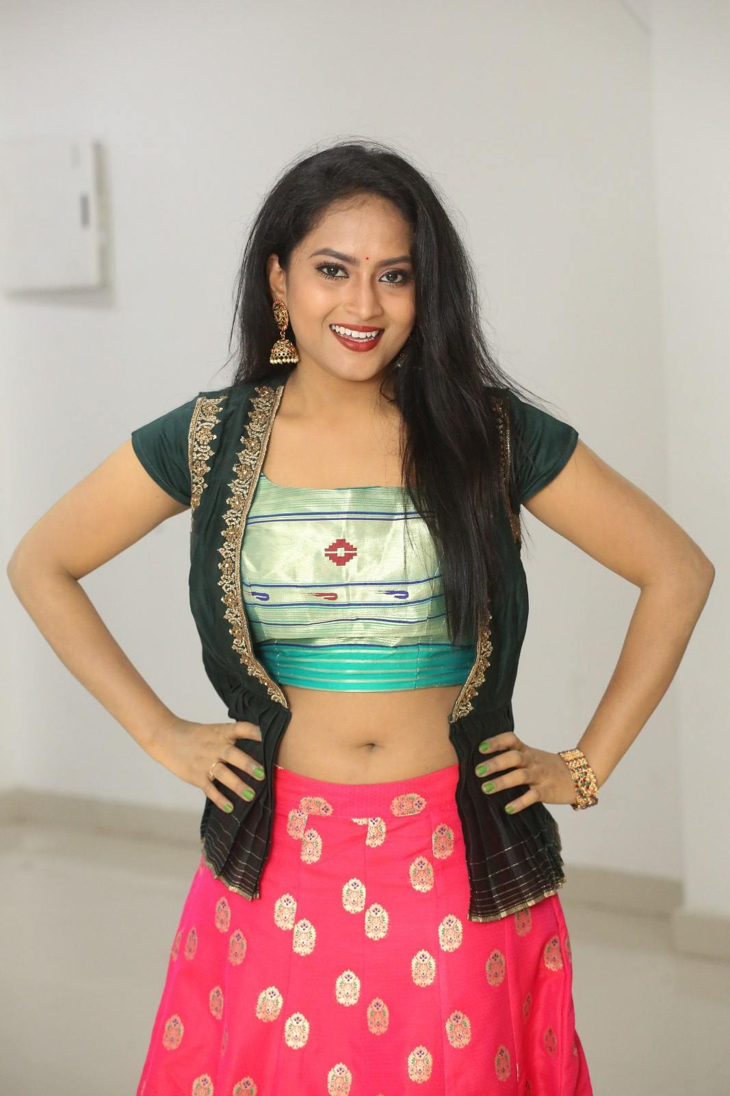 Sravani Kondapalli at Kobbari Matta Pre Release Event (9)