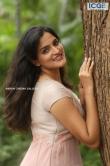 Sukrutha Wagle stills (15)