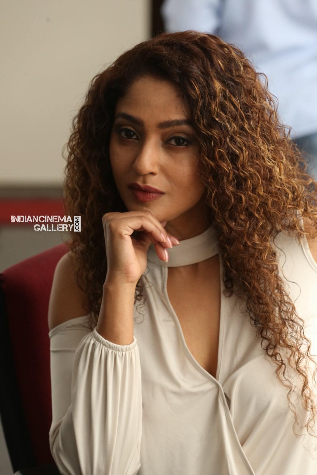 Suman Ranganathan Stills (29)