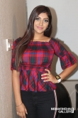 Yashika Anand at Iruttu Araiyil Murattu Kuththu Movie Press Meet (1)