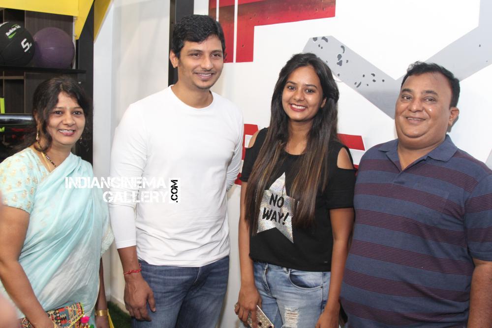 Actor jiiva inaugurated muscle garage gym at alwarpet ttk road