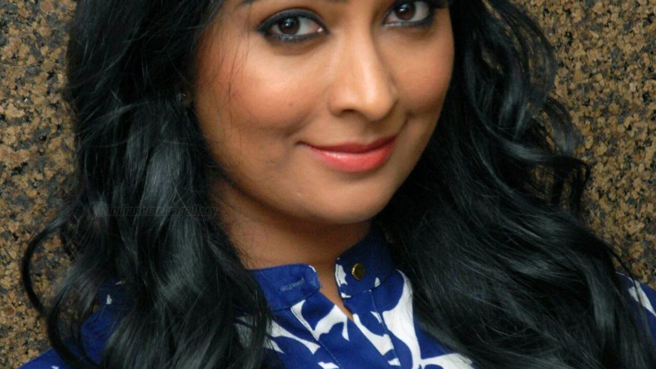 Radhika Pandit Actress Photos Stills Gallery